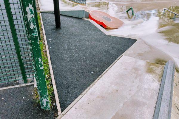 skatepark-resurface204671347-15E5-5769-4219-EE546722B21D.jpg