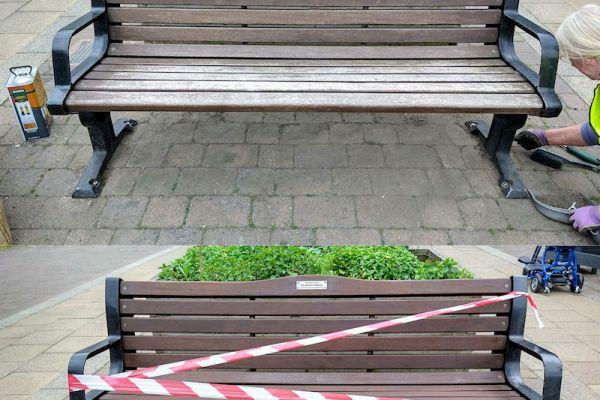 benches-10-06-21aB668E6ED-8A45-63DB-2F98-9C003A499065.jpg