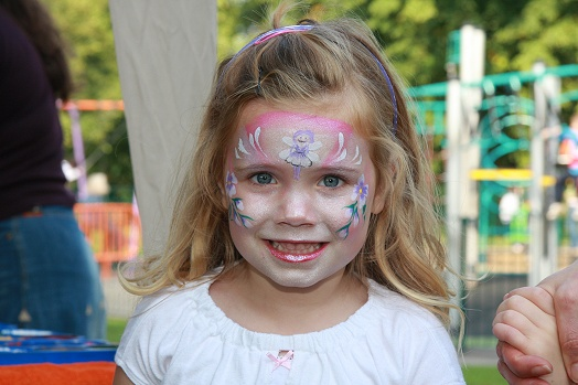 face-painting-in-the-park
