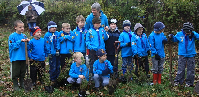 Scouts leader Lisa Bintliff with Marple Beavers